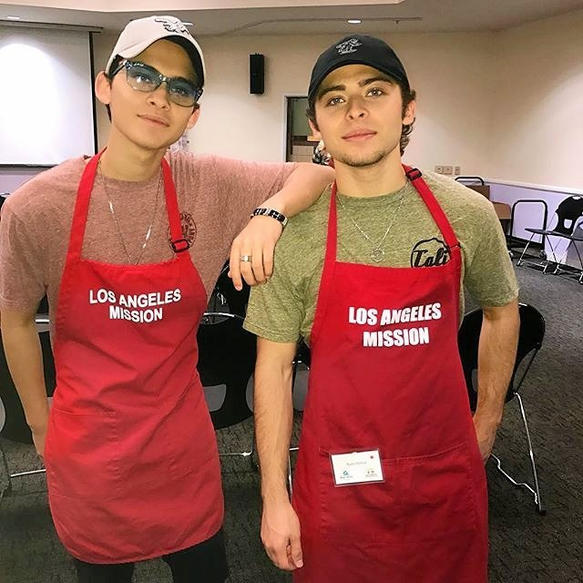 Robert Ochoa and Ryan Ochoa volunteer at the Los Angeles Mission.